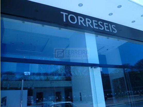 TRES CRUCES - TORRESEIS - MONOAMBIENTE CON GARAJE