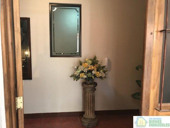 LINDA CASA AMUEBLADA EN ALQUILER CONDOMINIO, XELA