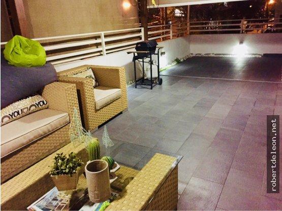 Apartamento con terraza en Urb. Real; 2 habs.