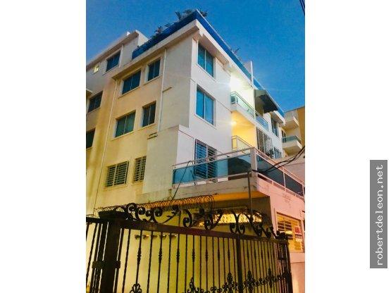 Apartamento de 3 habitaciones en Urb. Tropical