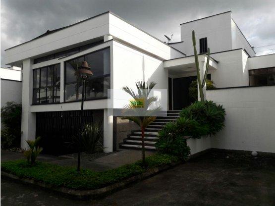 Vendo casa Pinares de San Martín
