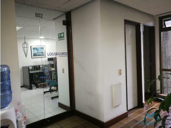 Oficina en arriendo  San fernando Plaza Medellin