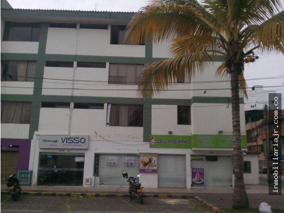 LOCAL COMERCIAL EN   1ro  DE MAYO