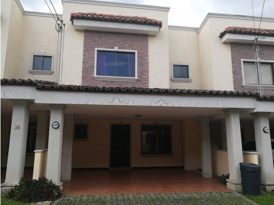 Casa en alquiler en Tres Ríos, Concepción 928847