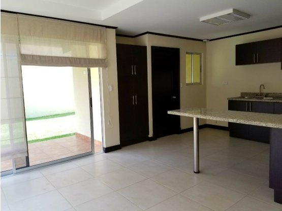 Casa en Alajuela, Desamparados. 1026422