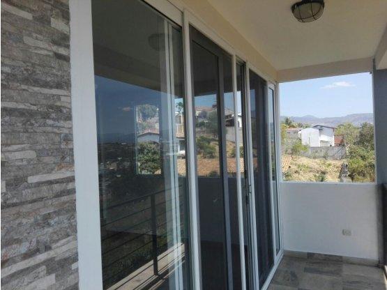 Se alquila Penthouse en Loma Linda Norte