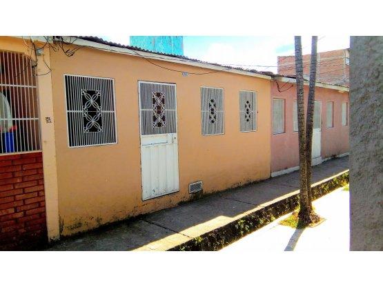 Se vende casa en la residencial Arturo Quezada