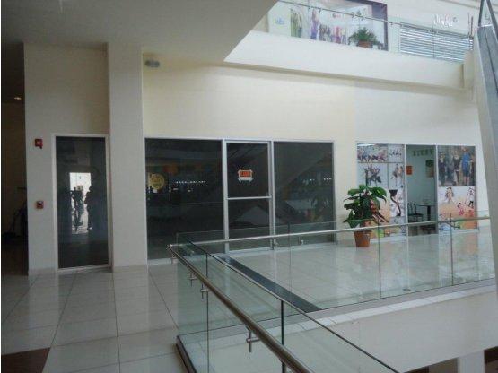 Se alquila local comercial en Mall Premier