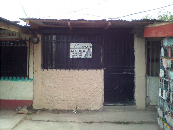Se alquila local comercial en la Kennedy