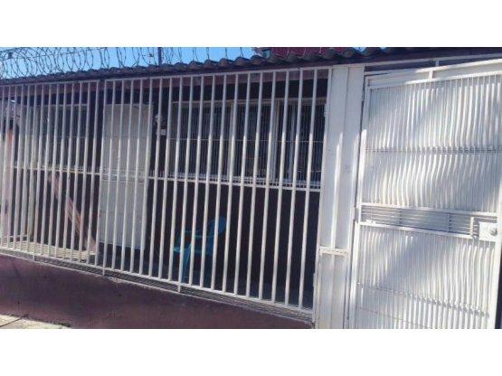 Se vende casa en Col. Cerro Grande, Zona 2
