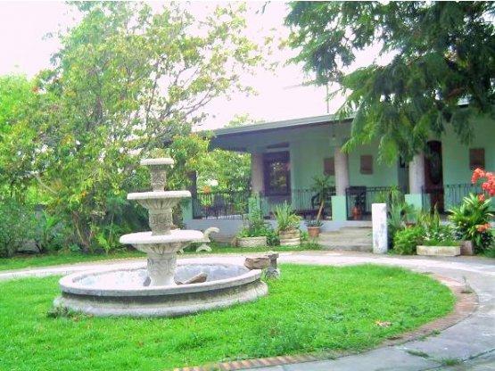 Santa Ana casa en venta o alquiler comercial