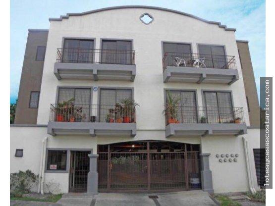 Apartamento en torre Santa Ana Pozos
