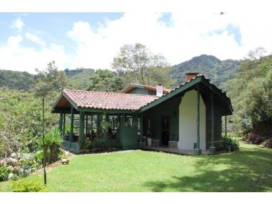 Casa tipo cabaña en venta