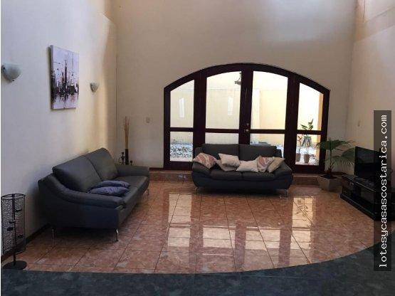 Casa en alquiler Gucahipelin, independiente