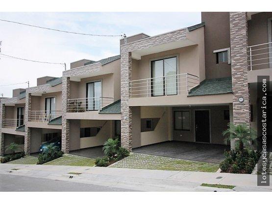 Casa en condominio en alquiler Ciudad Colon