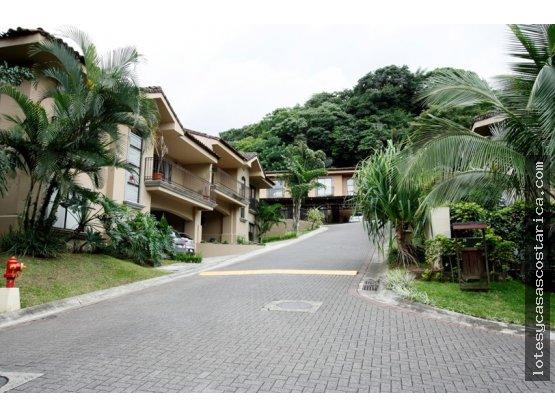 Casa en condominio Ciudad Colon Brasil de Mora