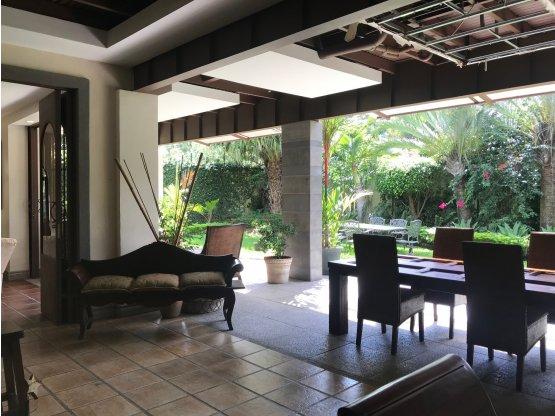 Casa en venta Santa Ana en condominio