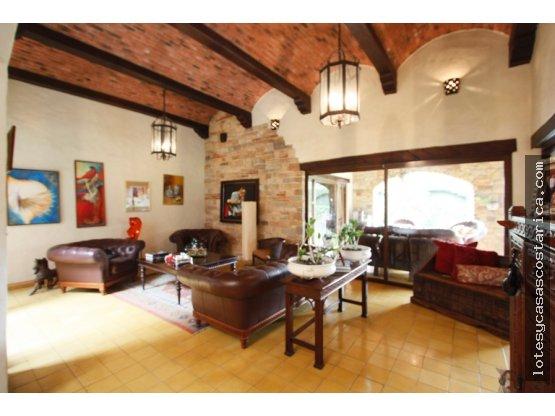 Casa en alquiler Santa Ana tipo Español amueblado