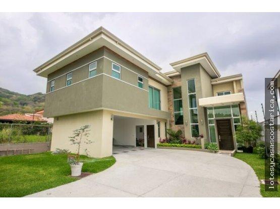 Preciosa casa contemporanea Santa Ana