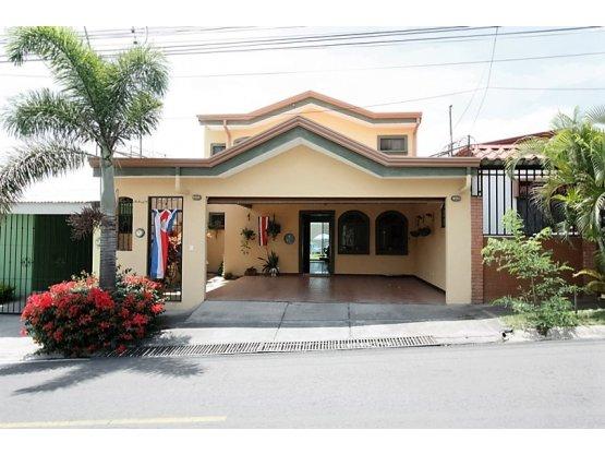 Casa en residencial Belen $180.000