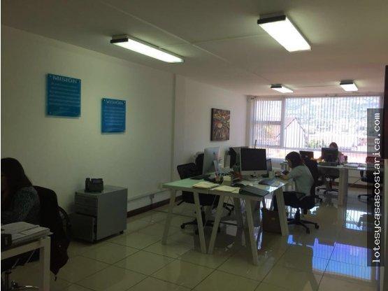 Oficina en Trejos Montealegre Escazu 200m2