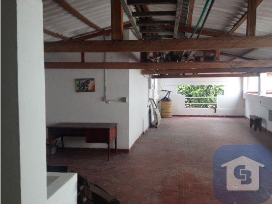 CASA COMERCIAL EN ARRIENDO ALARCON