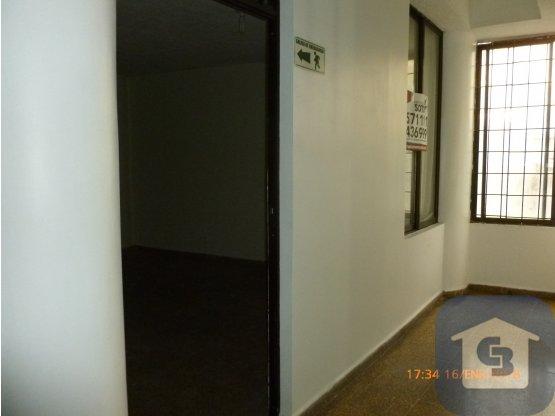 ARRIENDO OFICINA CENTRO BUCARAMANGA 12 M2
