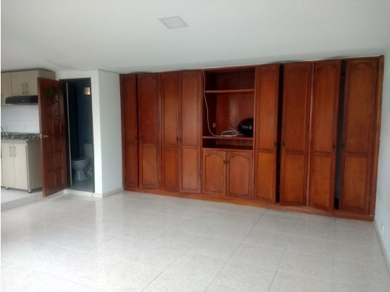 Venta - Casa con 4 rentas, Baja Leonora, Manizales
