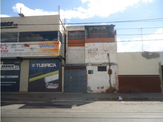 Casa en venta en zona comercial Barquisimeto