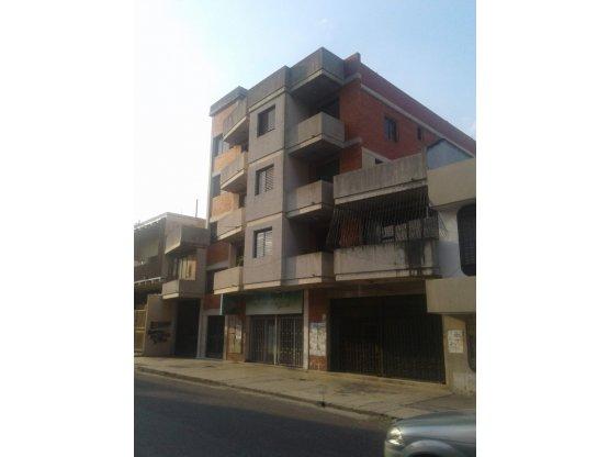 LOCAL COMERCIAL a 50 mtrs de la AVENIDA VARGAS