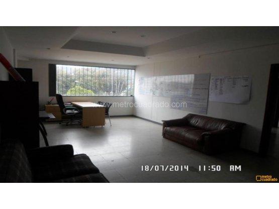 Bodega en Arriendo en Bogotá D.C.. 2 habitaciones, 500 m2, 218 m2, 721 m2, 1820 m2, 533 m2, 260 m2,