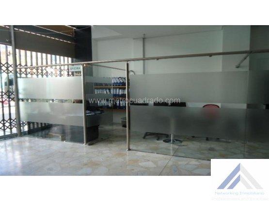 Bodega en Arriendo en Bogotá D.C.. 3 habitaciones, 70 m2, 374 m2, 582 m2