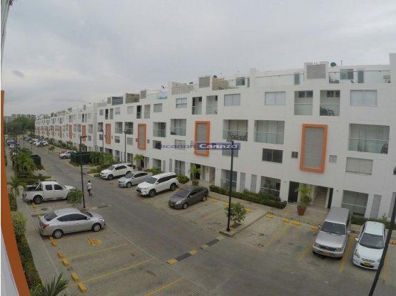 En venta casa de 3 Niveles en Santorini Cartagena