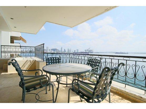 Venta apartamento frente a la bahía en Bocagrande