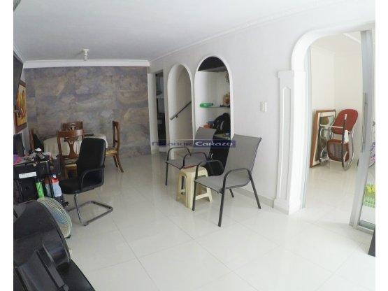 Vendemos casa de 2 niveles en el Recreo Cartagena