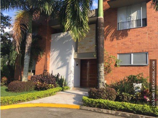 Vendo Casa en Condominio Pance