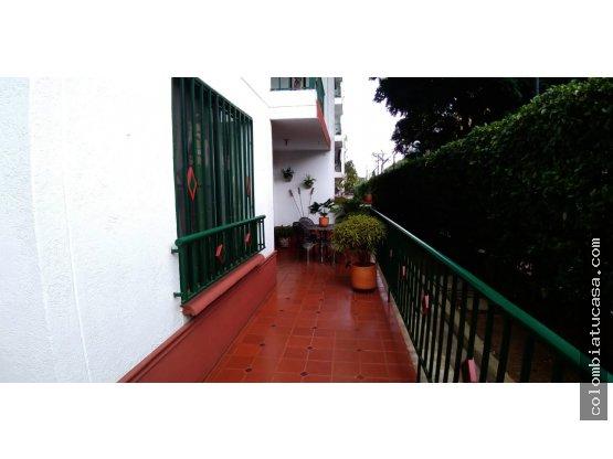Vendo Lindo Apartamento Quintas de Don Simon