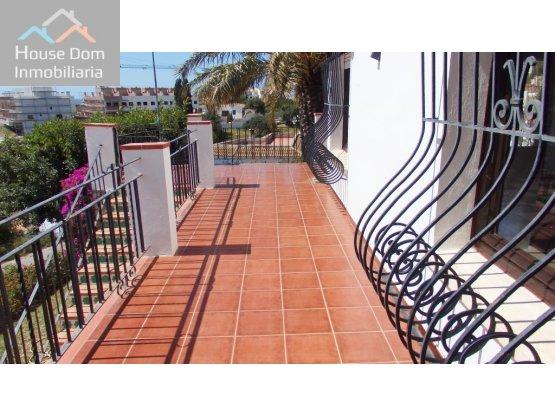 Chalet en Torreblanca con jardín privado