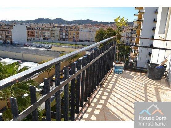 Gran piso  3h, terraza y piscina!!