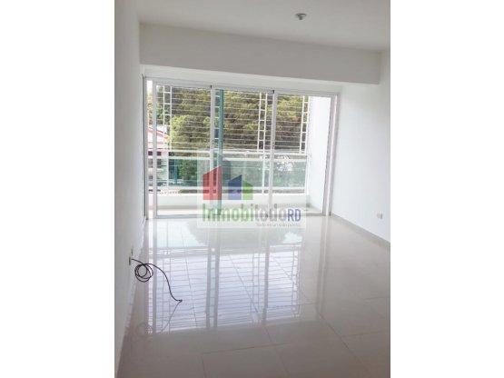 Apartamento con línea blanca en Gazcue
