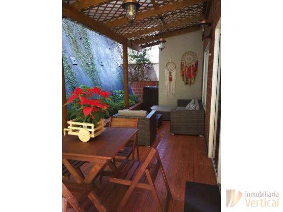 Apartamento con jardin y pergola en renta Caes