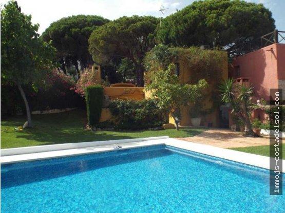 Casa 3 dormitorios en Marbella