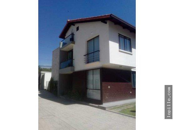 Casa en venta condomini - zona Trojes