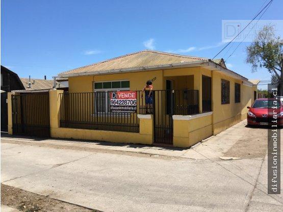 Casa sector residencial comercial en La Serena