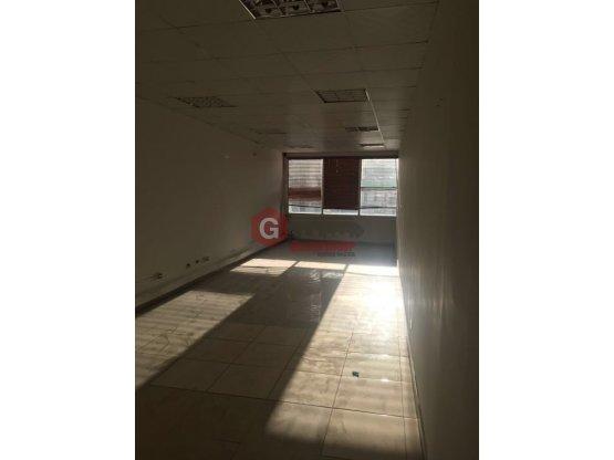LOCAL COMERCIAL / OFICINA / CONDADO DEL REY piso 2