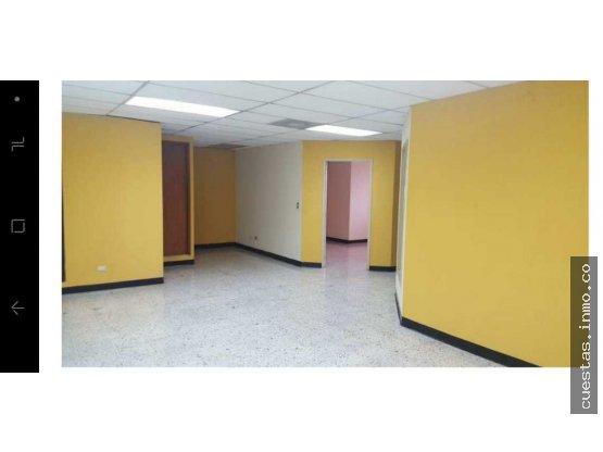 Oficina en renta Zona 10 (DIRECTO)