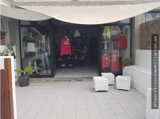 Se traspasa local comercial en Corralejo