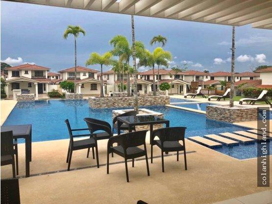 Se Vende Casa en Spring Hills, Costa Verde