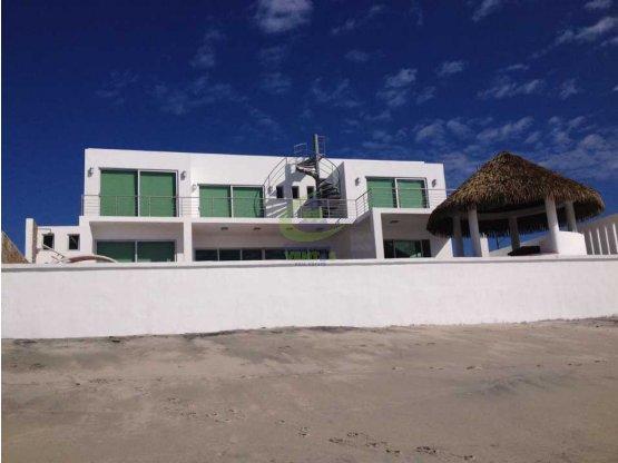 Se Vende hermosa casa de playa frente al mar #gtb