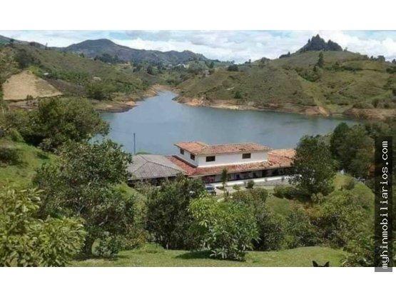 Vendo Finca de 23.000 m2 En Guatape Para Turismo